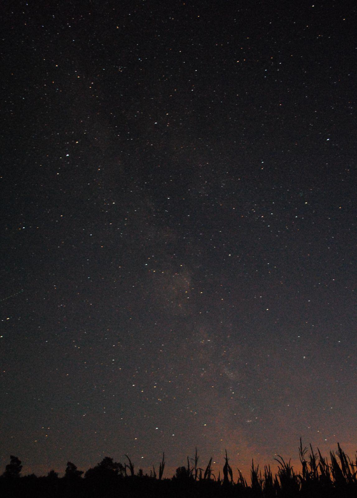 Die Milchstraße über der Rhön zwischen Rückersberg Eiterfeld und Hünfeld erscheint in voller Pracht so macht Astronomie und Deepsky im Sternenpark Rhön Spaß